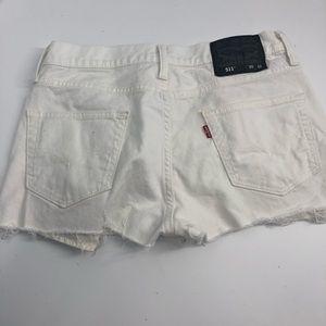Short checky white Levi's cutoffs waist 30